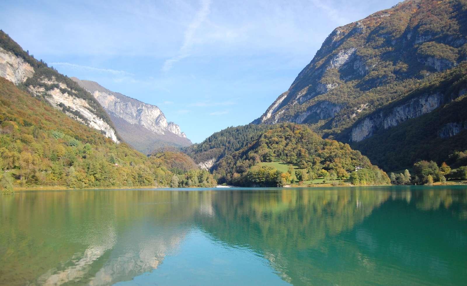 Tenno-søen umiddelbart nord for Riva del Garda