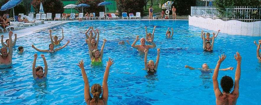 Pool vid Residence Arca sul Garda