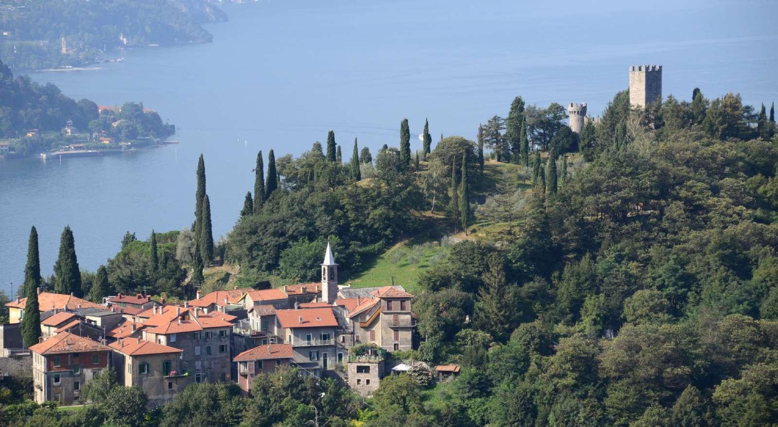 Nabobyen Perledo og borgen Castello di Vezio