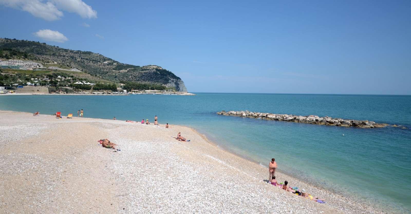 Der unendliche Strand in Mattinata