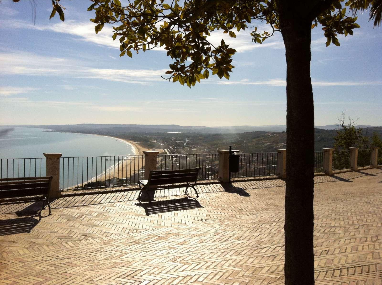 Utsikten till Vasto Marina