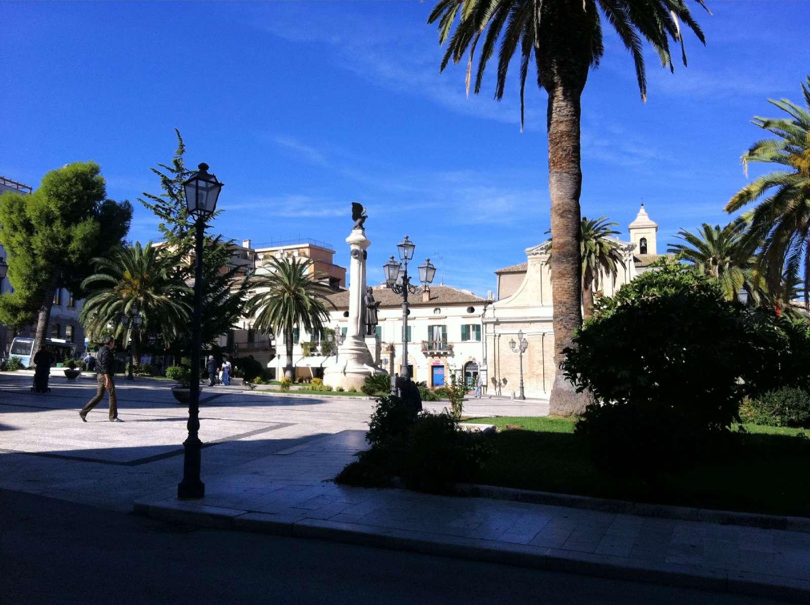 Piazza Gabriele Rossetti