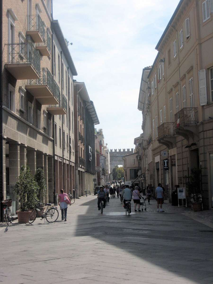 Shoppinggatan i centrala Rimini