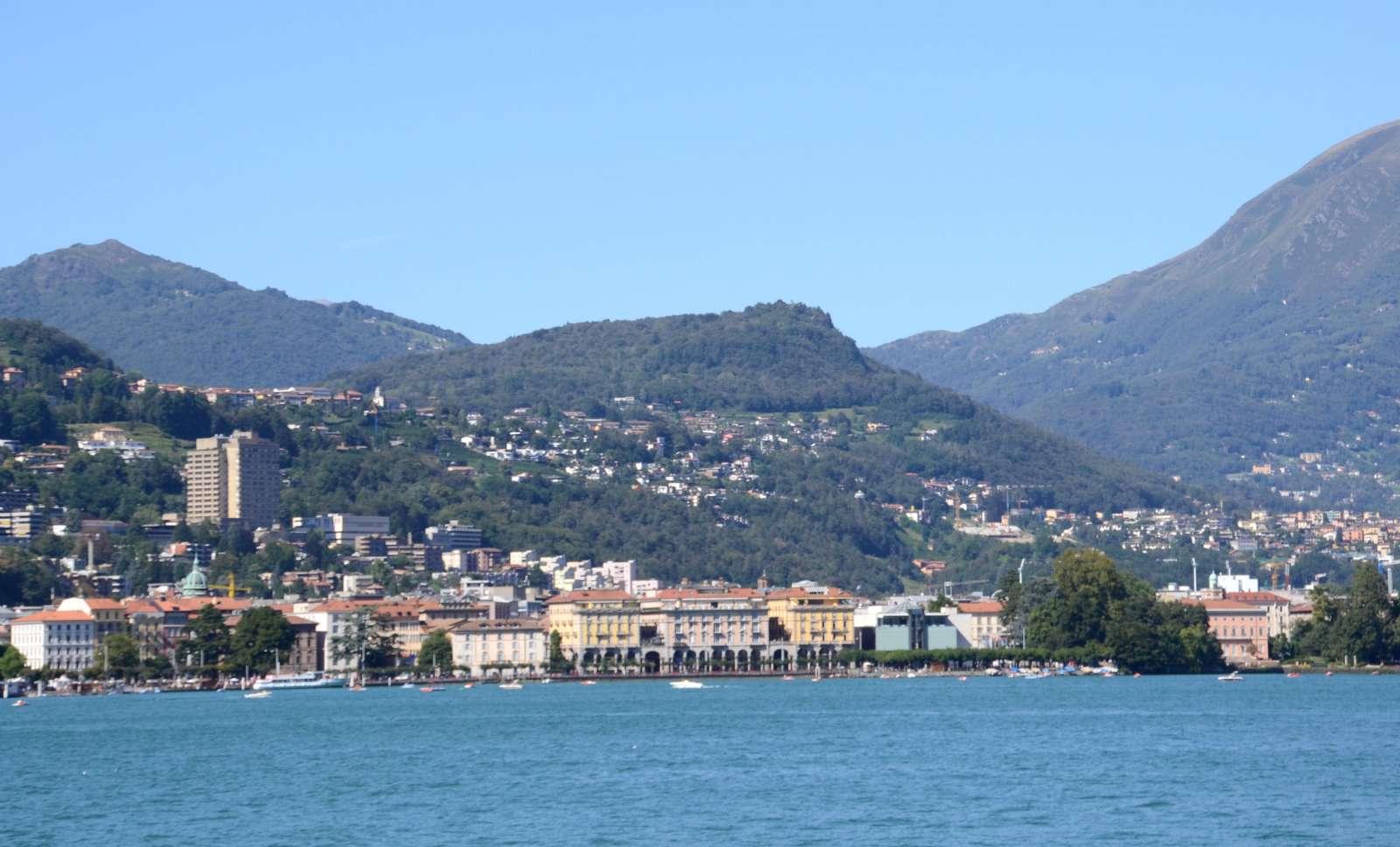Die Stadt Lugano in der Schweiz