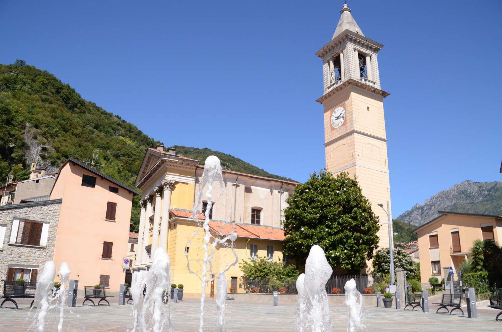Der Stadtplatz mit Brunnen