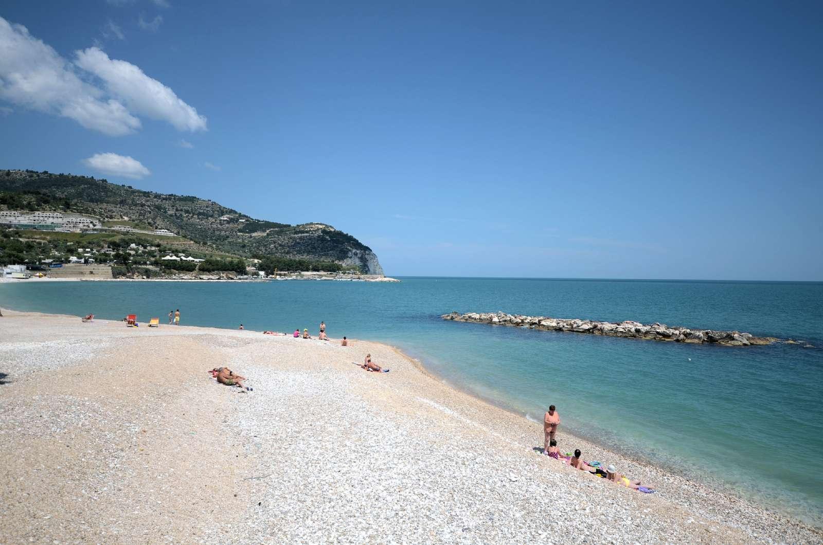 Stranden vid Mattinata