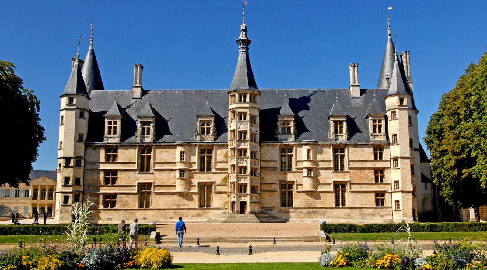 <em>Palais Ducal</em>