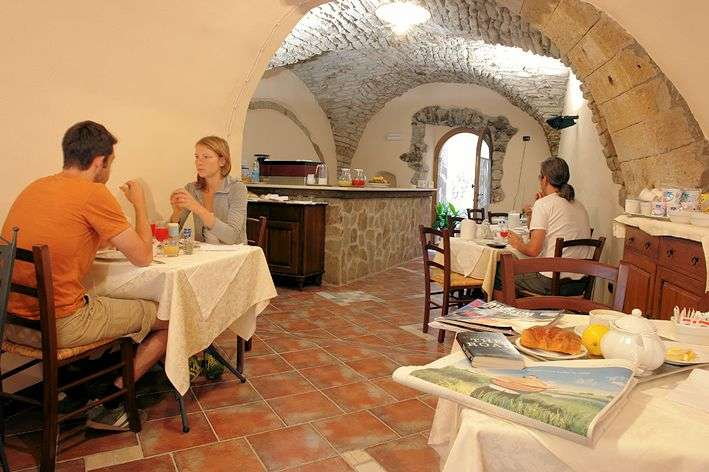 La salle des petit-déjeuners à La Vite & L'Oleandro