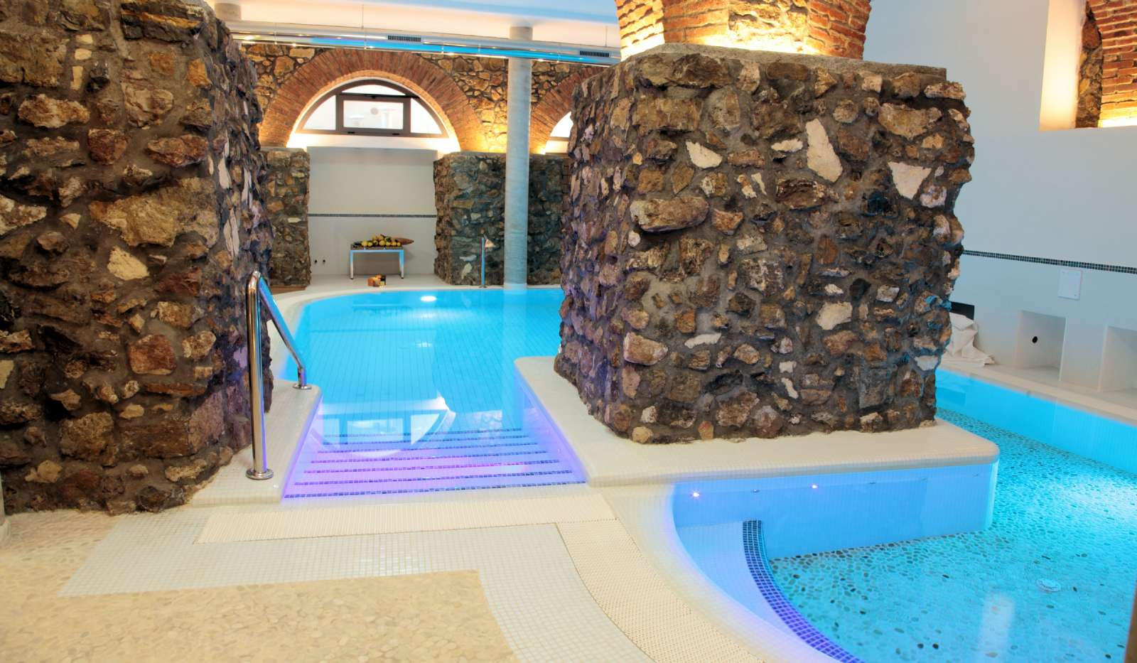 Pool i wellness-center