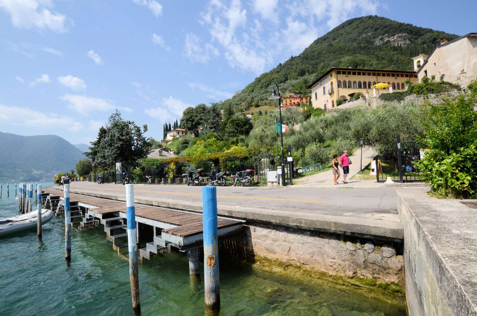 Le sentier de promenade autour de l'île