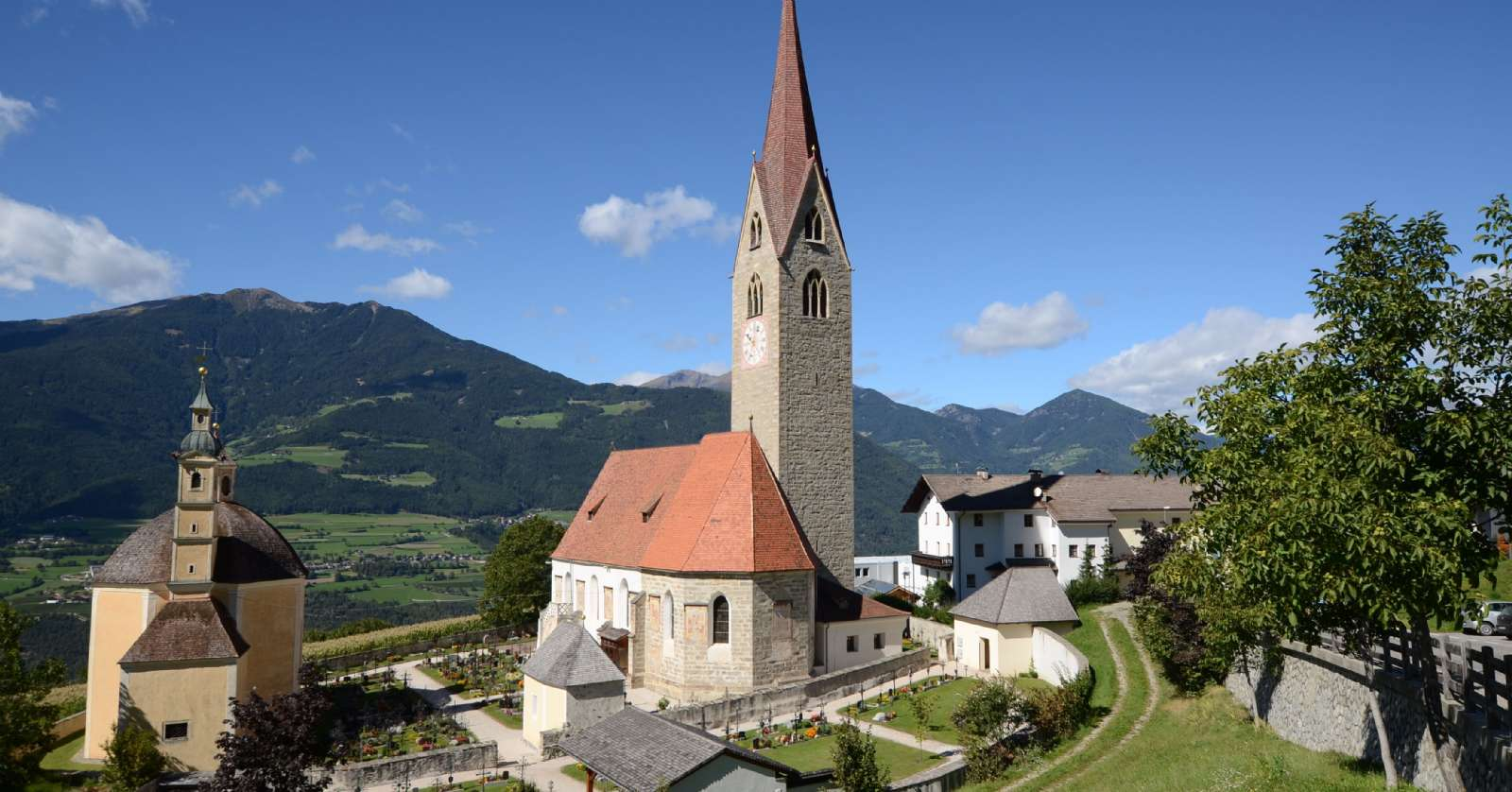 Die Kirche im Dorf Sant'Andrea