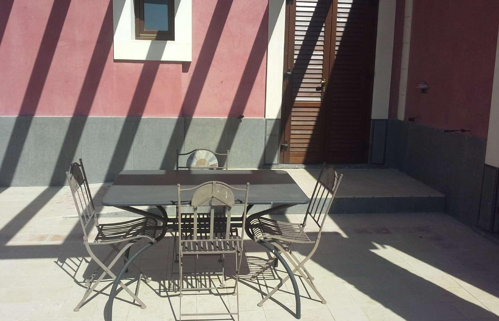 Egen terrasse ved indgang til lejligheden