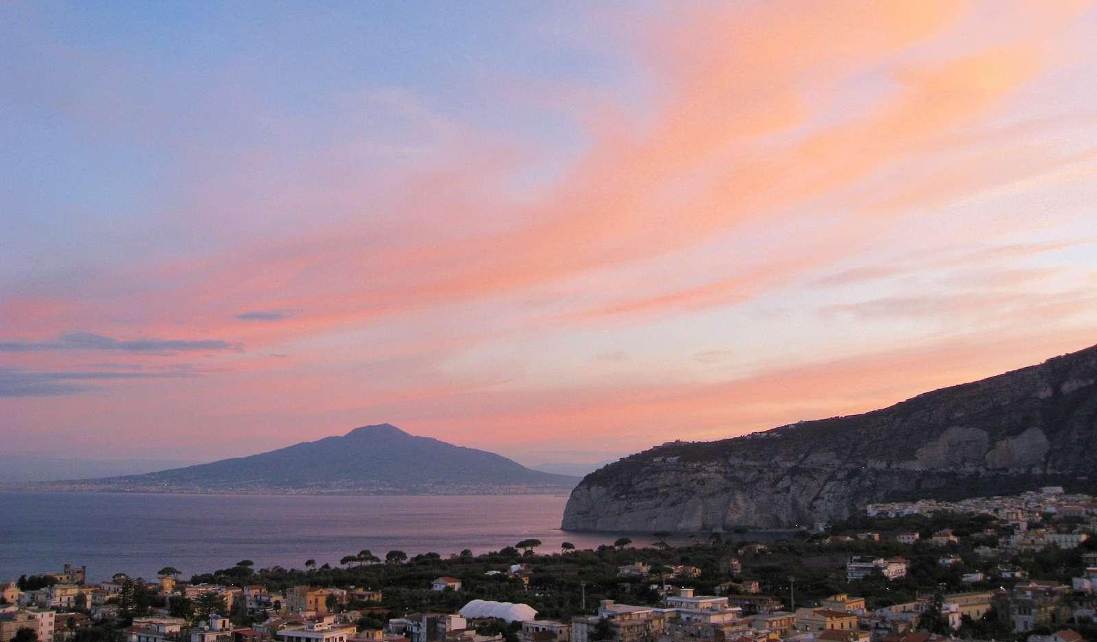 Vulkanen Vesuvius nära Sorrento