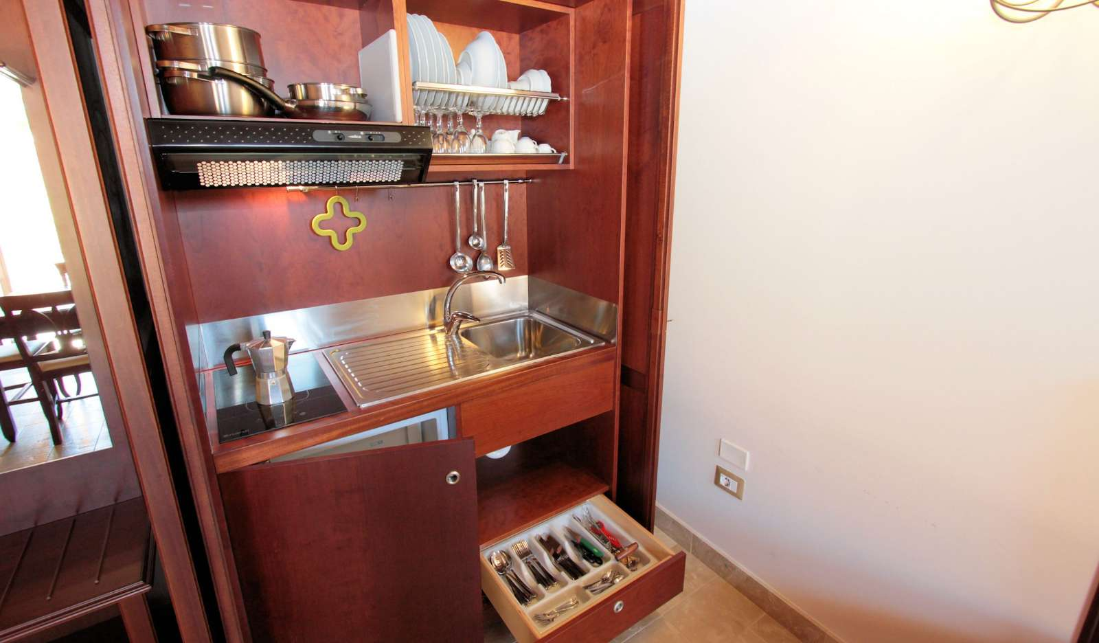 Køkkenskab  i lejlighederne