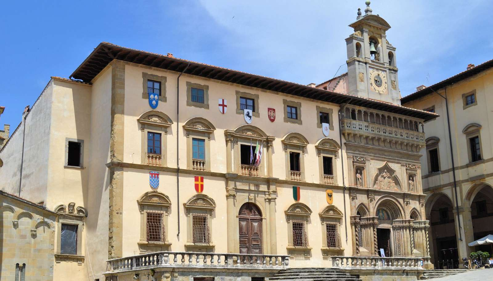 Vackert palats i Arezzo
