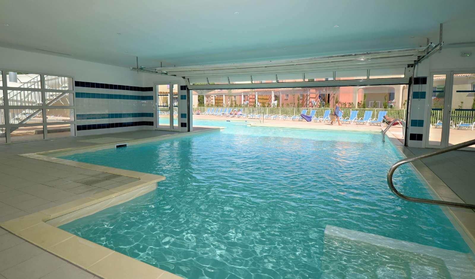 Den indendørs pool