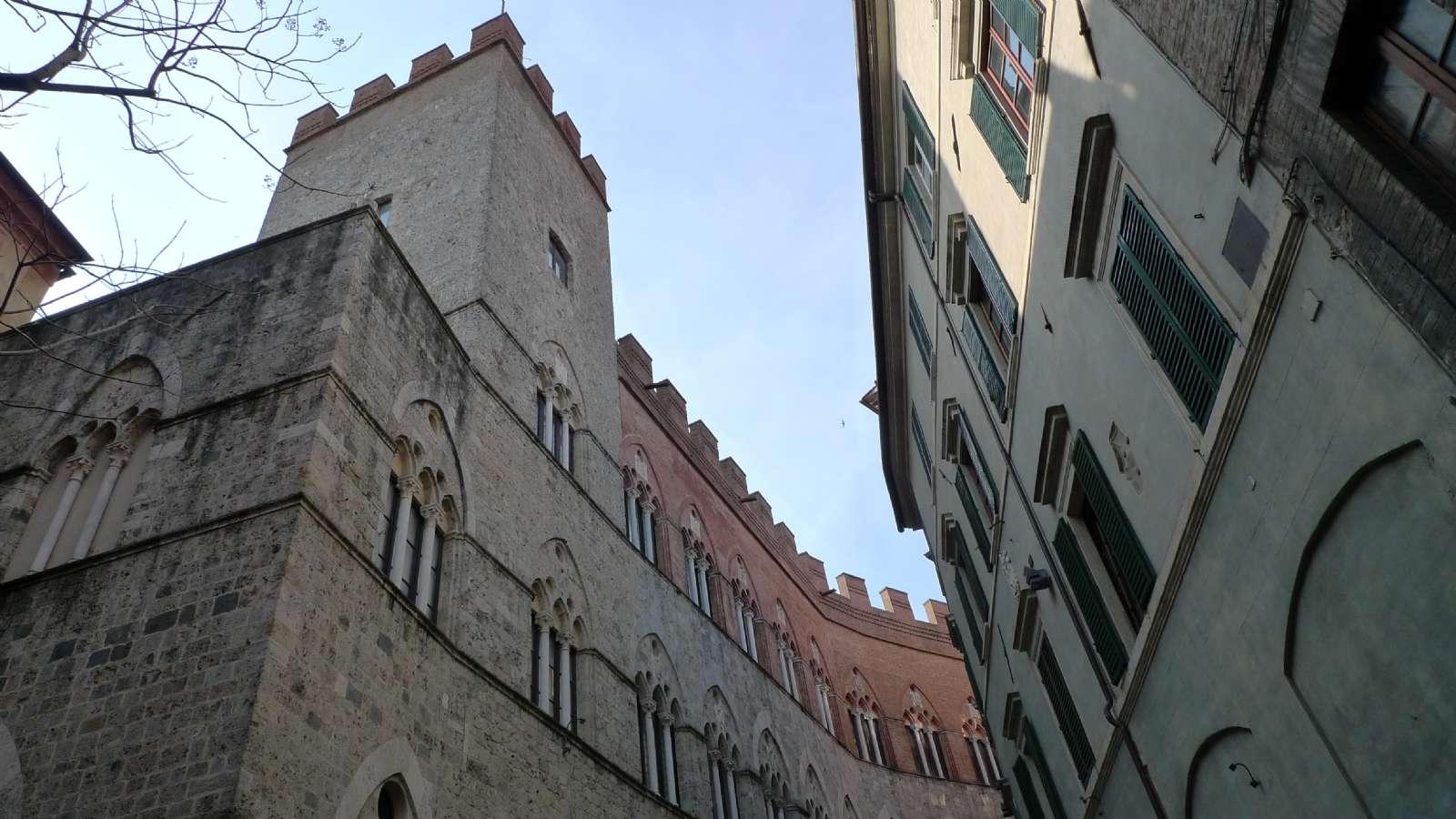 Palazzo Chigi Saracini beherbergt heute die Musikakademie von Siena