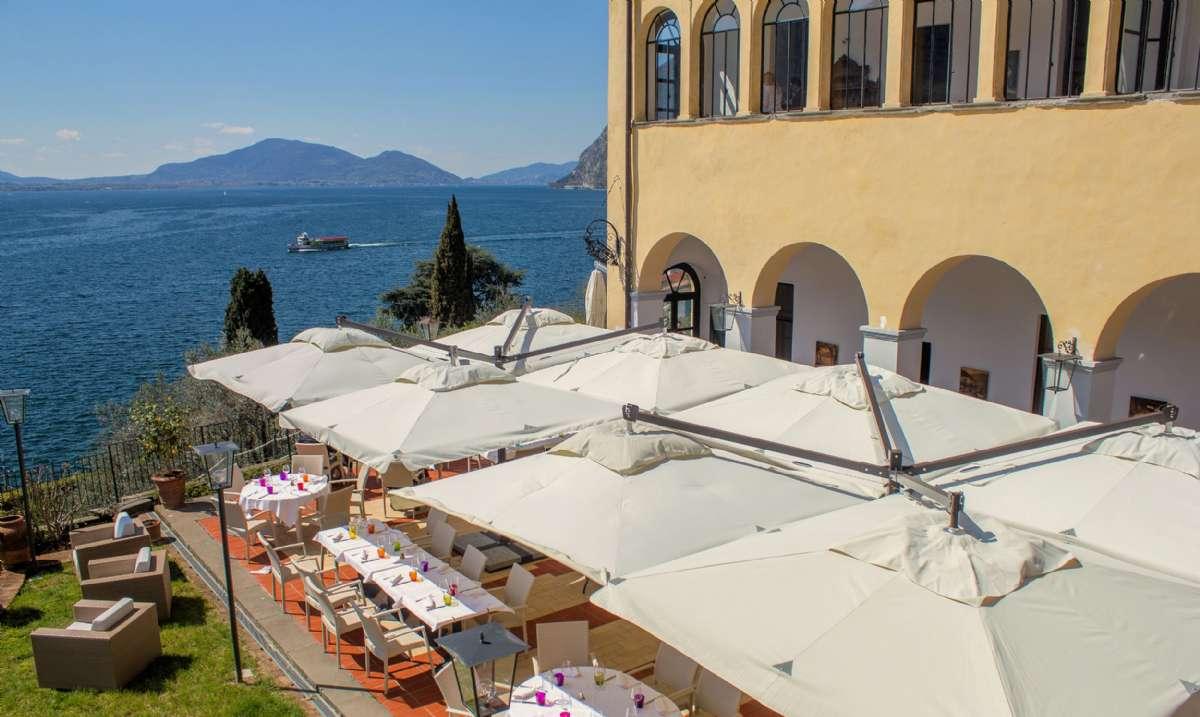 Udsigt over restaurantens terrasse