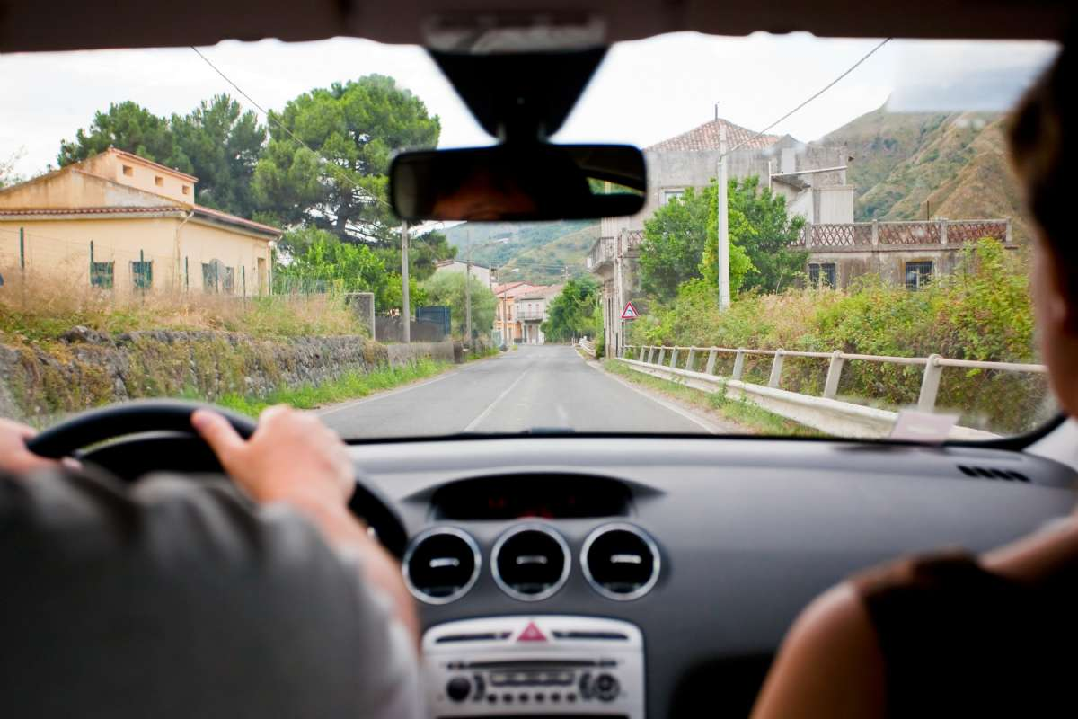 I august måned ligger byerne i Italien ofte øde hen
