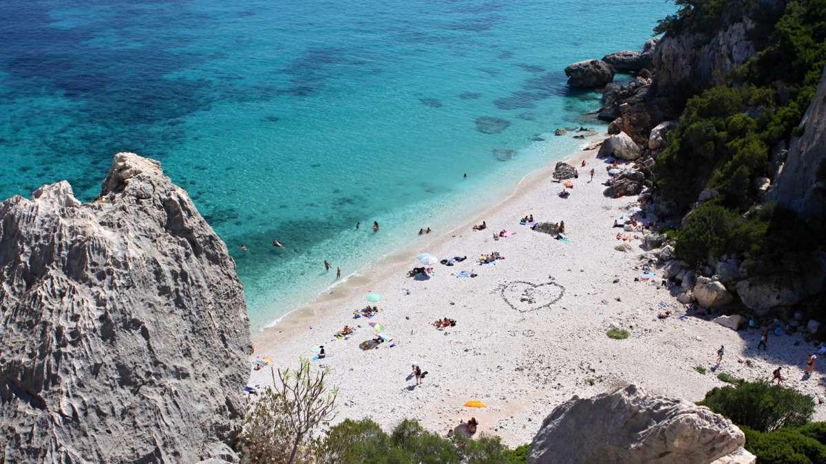 Stranden Fuili nær Cala Gonone på Sardinien