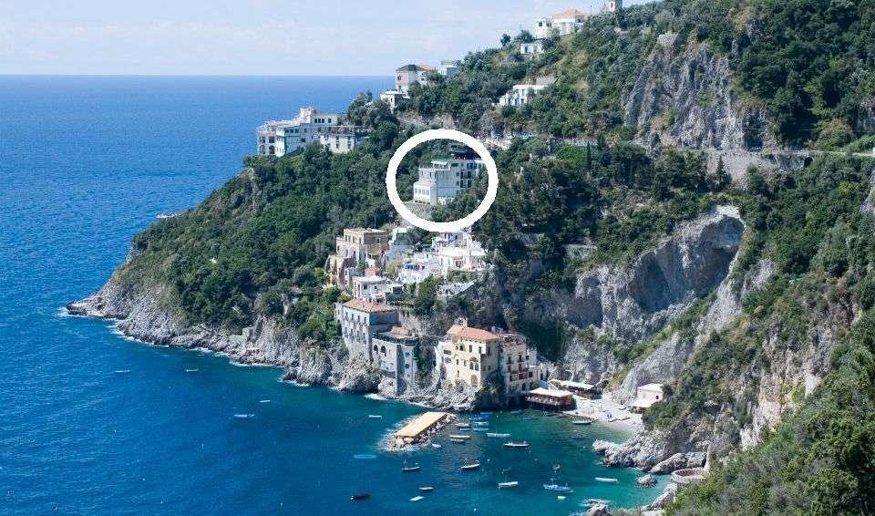 Hotel Le Terrazze er den øverste hvide bygning
