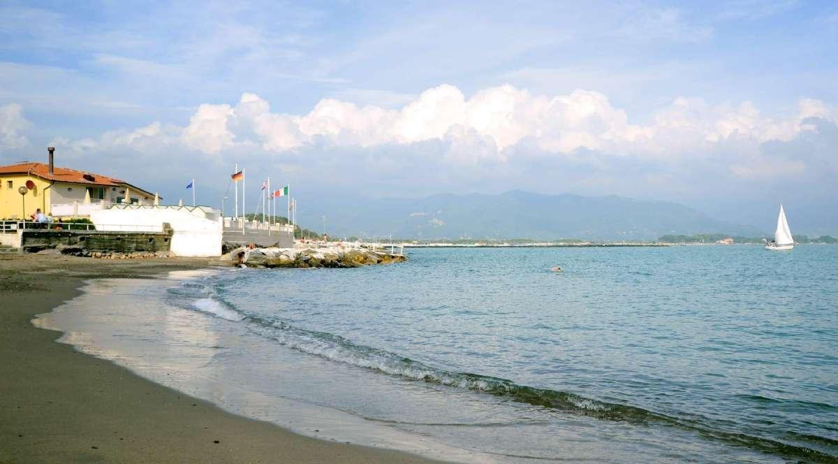 Der Strand in der Nähe des Hotels