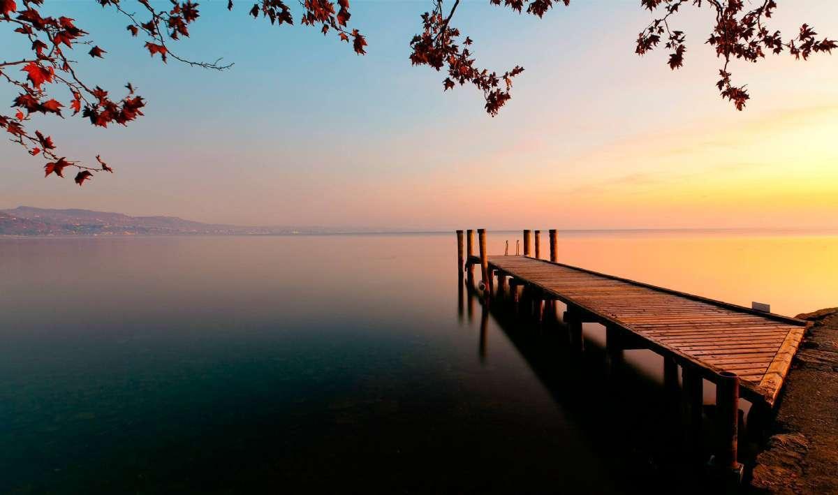 Solnedgang over Gardasjøen