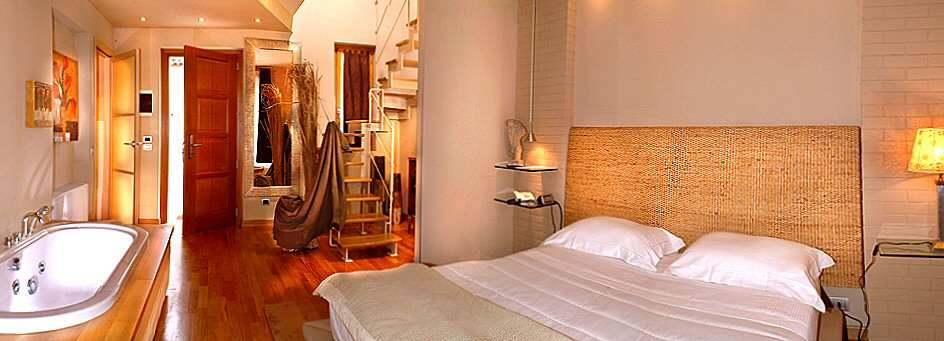 Wohnung auf zwei Etagen mit Jacuzzi im Schlafzimmer