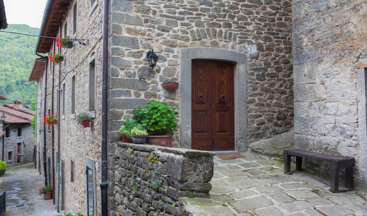 Huset Vergaio ligger 200 meter fra parkeringsplads