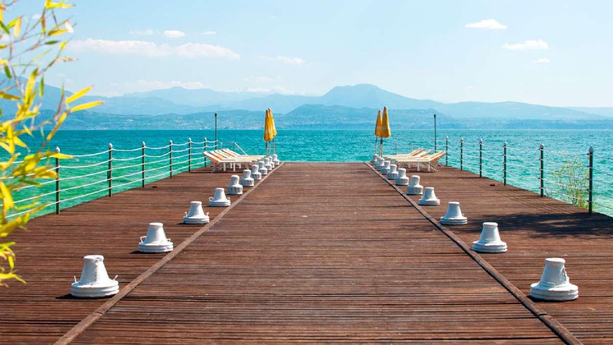 Det finns bra badmöjligheter vid Gardasjön