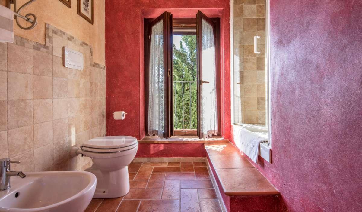 Treværelseslejlighed i to plan - badeværelse