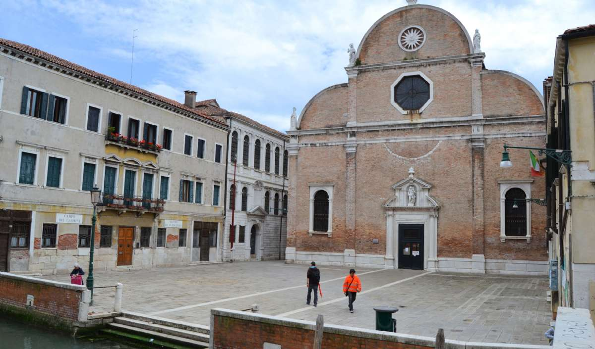 Ai Carmine kyrka