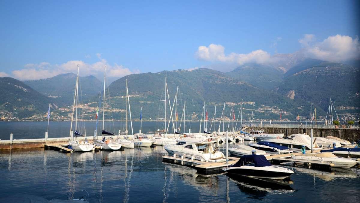 The marina and a view over Lake Como