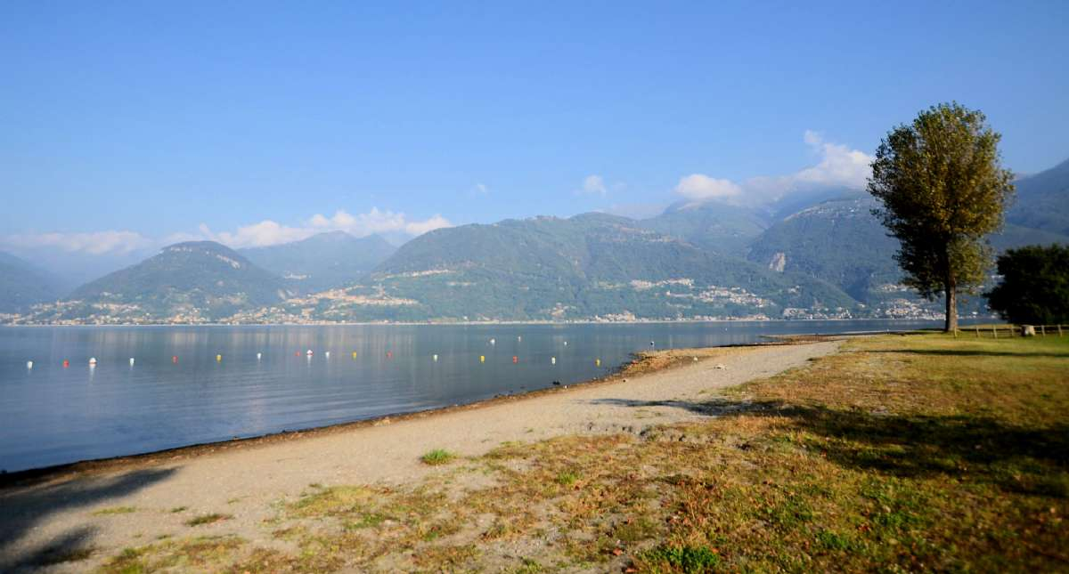 The beach in Colico