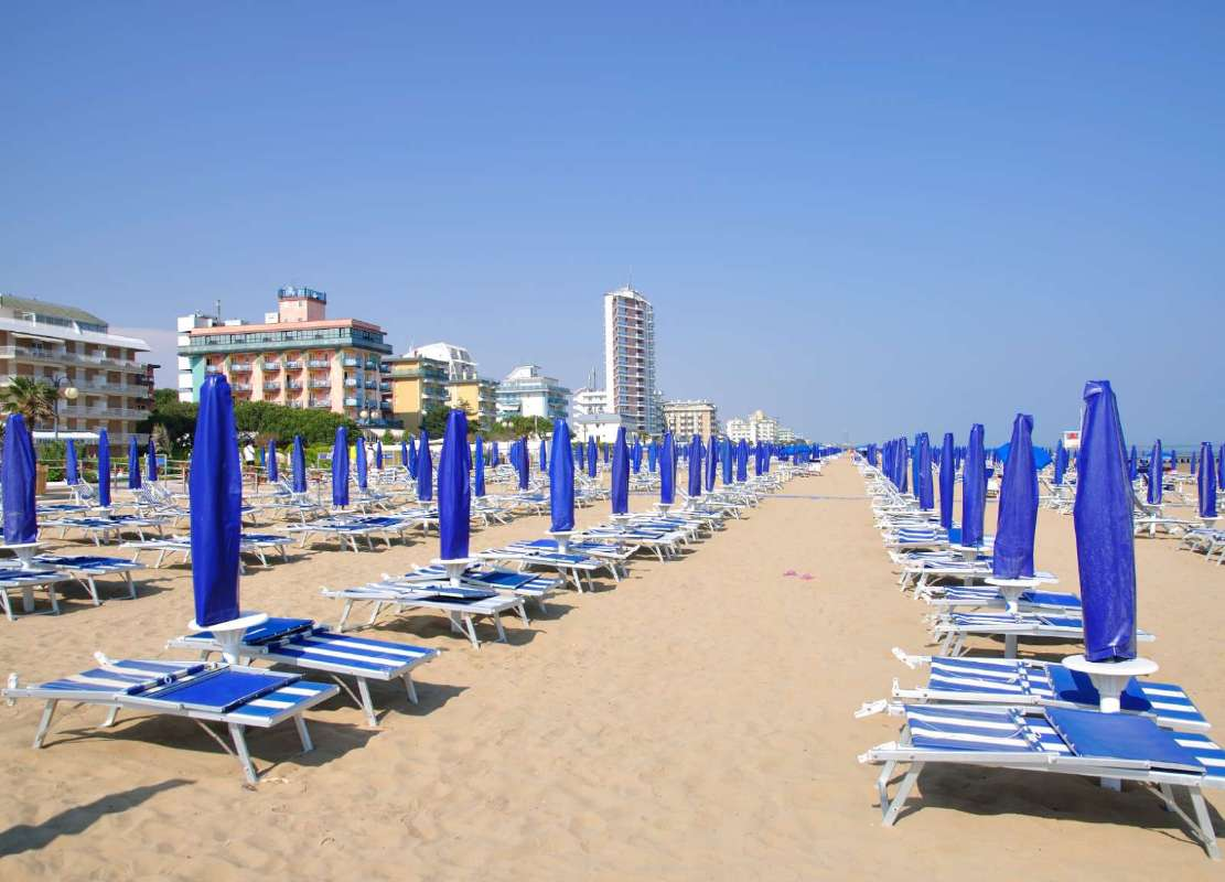 Resor till Lido di Jesolo är lika med sol, strand, sand och hav