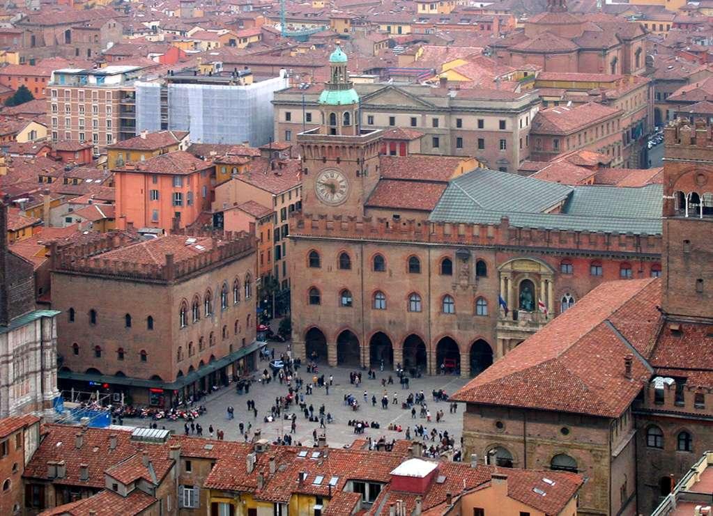 På en reise til Bologna opplever man en italiensk middelalder-bykjerne i toppklasse