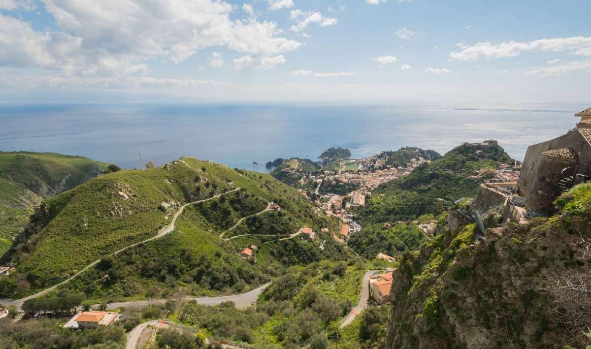 Taormina set fra landsbyen Castelmola