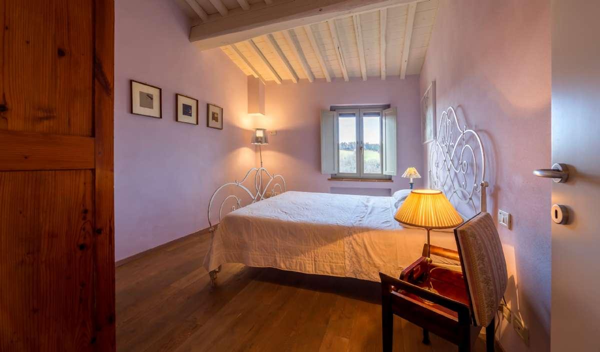 Toværelseslejlighed på første sal - soveværelse