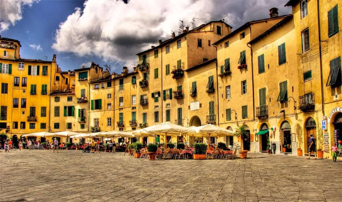Charmigt och avslappnande i härliga Lucca