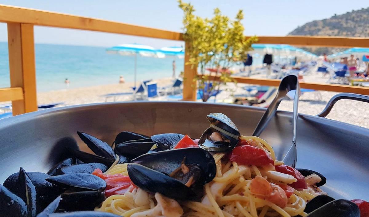 Strandbaren med restaurant