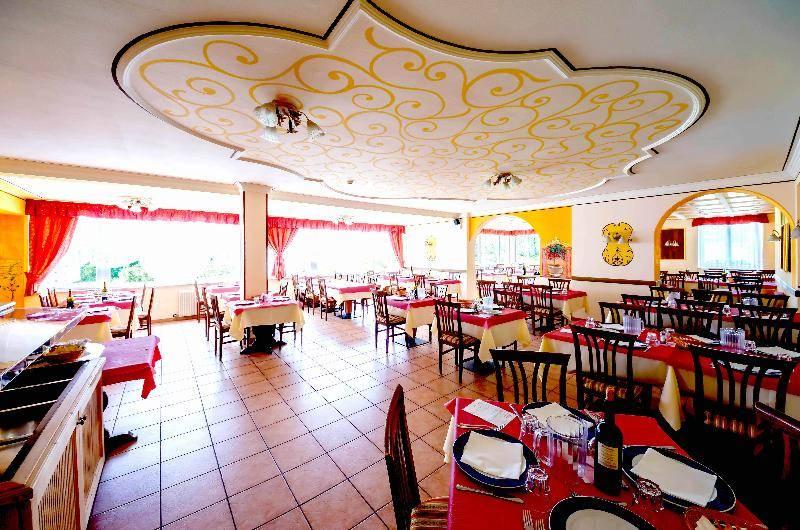 Från restaurangen på Hotel Alpen