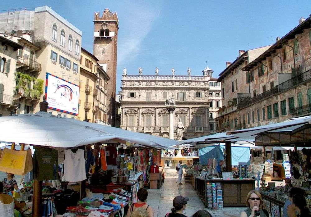 Torget Piazza delle Erbe i Verona