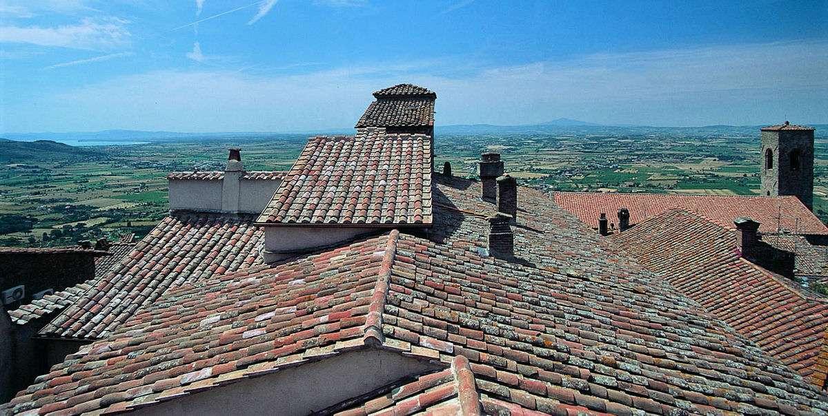 Die Dächer von Cortona