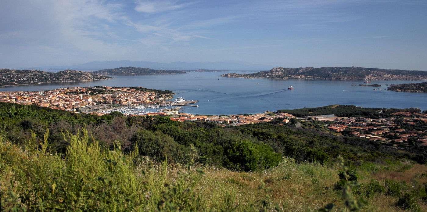 Utsikt över Porto Rotondo och bukten