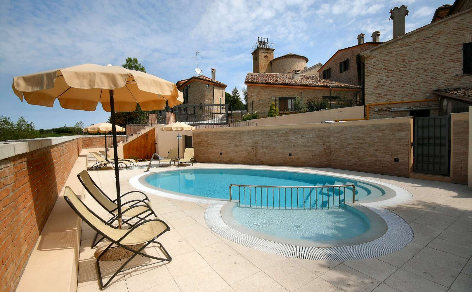 Solterrassen med pool