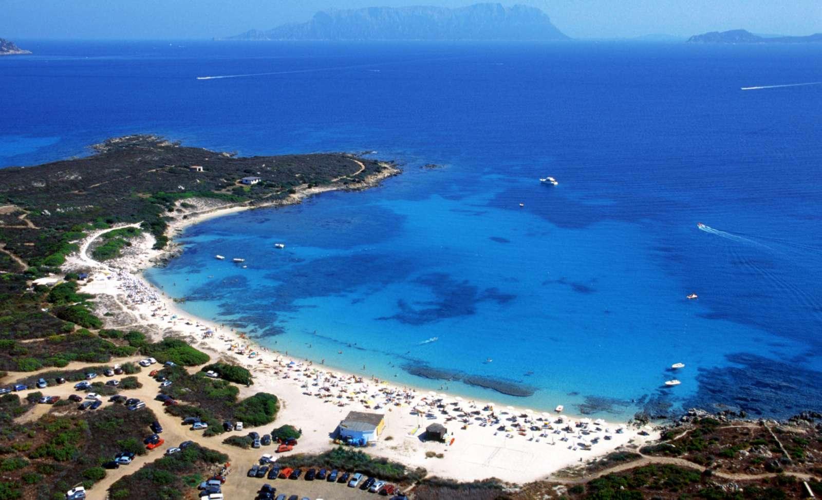 Den fine strand, nemlig Spiaggia Bianca, kort fra ferielejlighederne.
