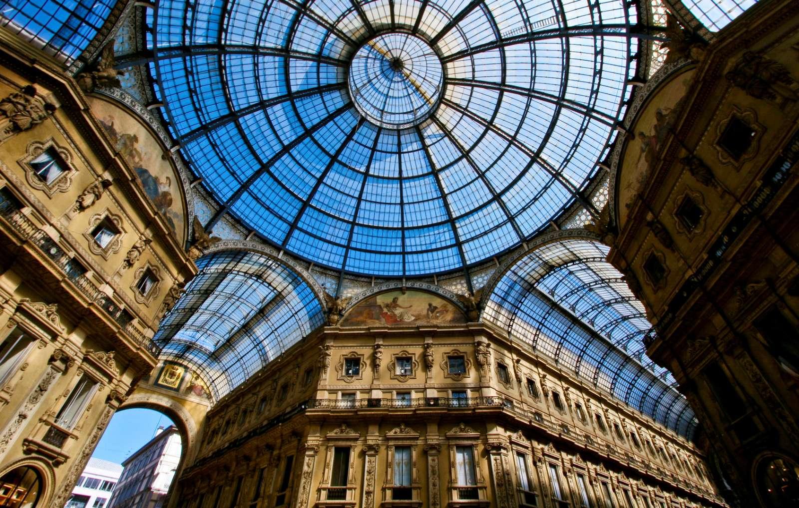 Den imponerande konstruktionen i taket i gallerian Vittorio Emanuele II