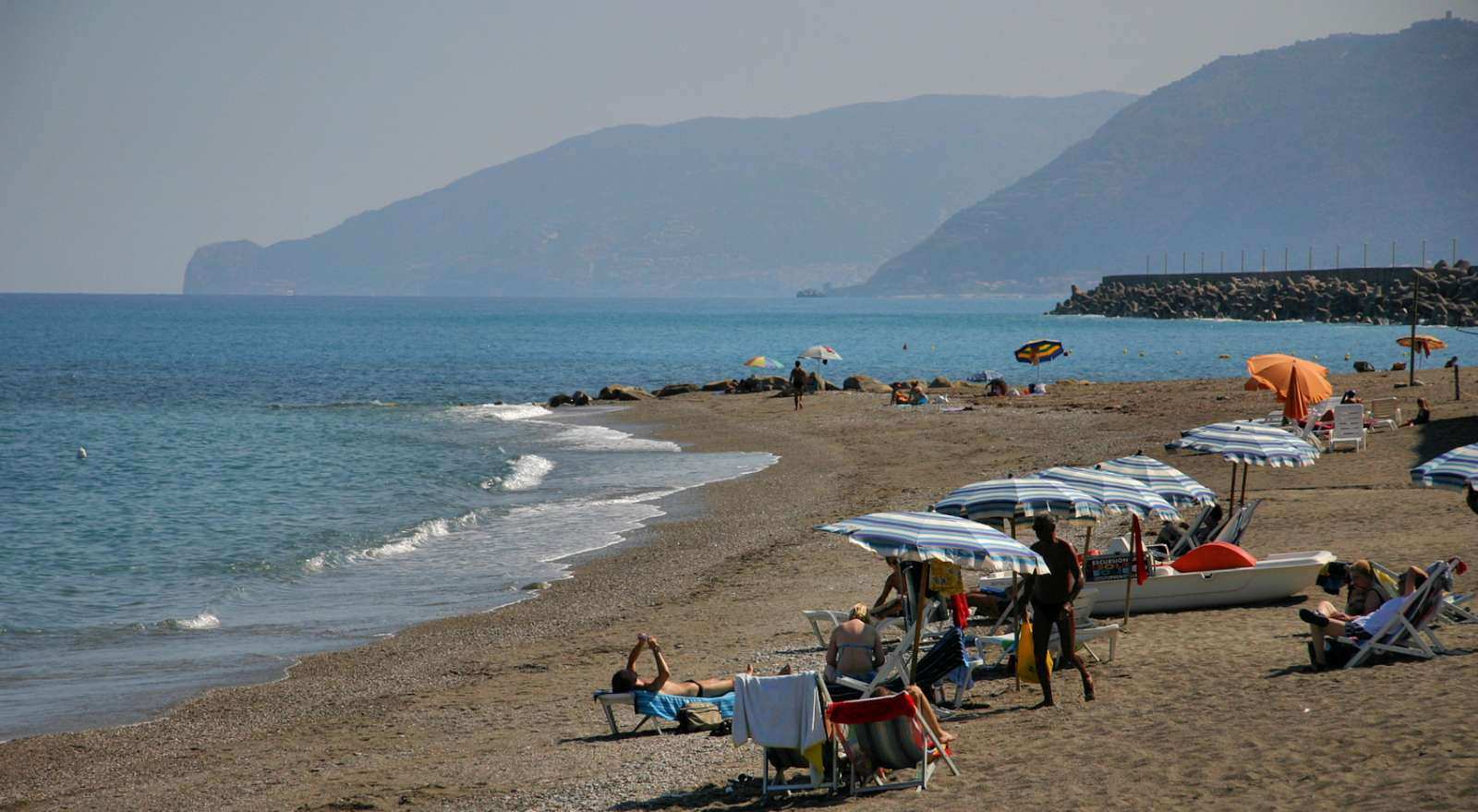 The beach at the port of Borgo San Gregorio