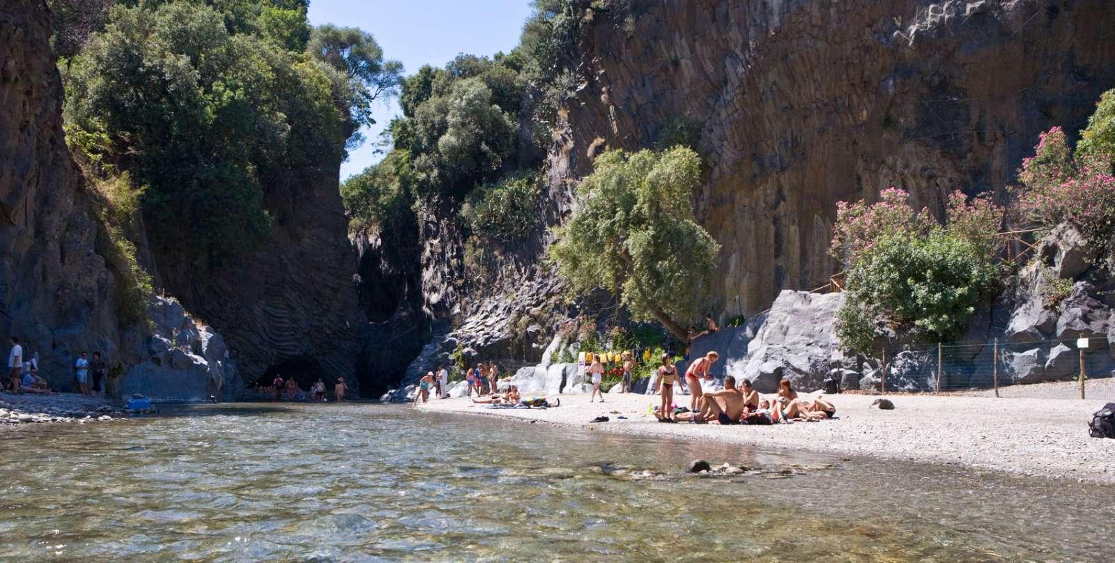 Les célèbres gorges Gole dell'Alcantara
