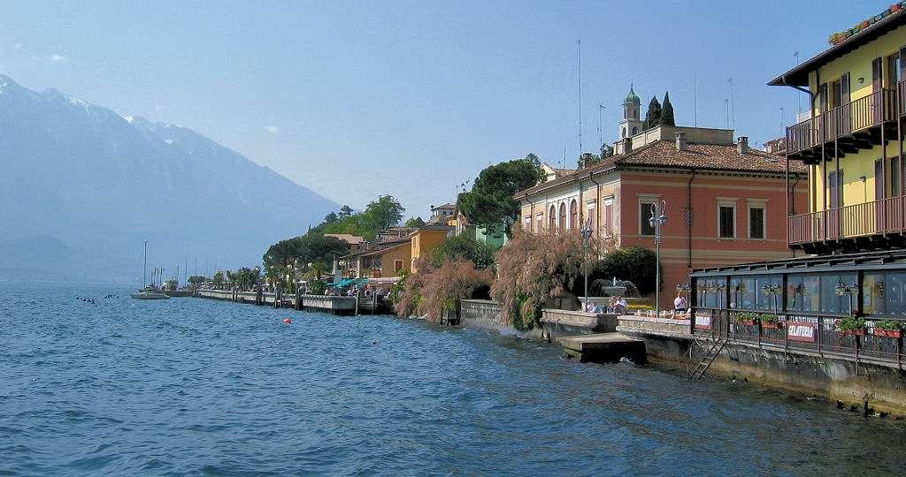 Beautiful property in Limone sul Garda all the way down on the banks of Lake Garda